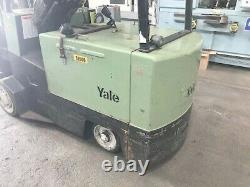 10000 lb Capacity Yale Electric Forklift with 8 x 54 Forks, Battery & Charger