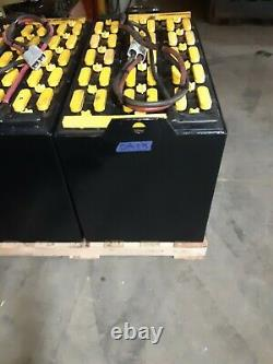 18-100-17 36volt FORKLIFT BATTERY SERVICED GOOD 800 ah. Ready to ship