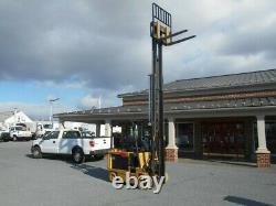 1996 Daewoo BC30S Forklift, Battery Charger Included, Only 2200 Hours