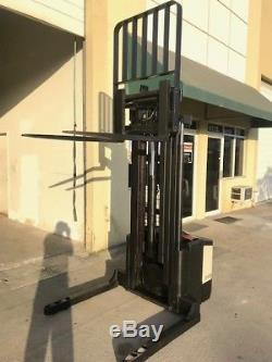 1999 Crown Walkie Stacker Low Clearance 24 Volt Industrial Battery And Charger