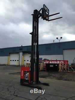 2002 Raymond Forklift Reach Truck 4000lb 211 Lift With Battery & Charger
