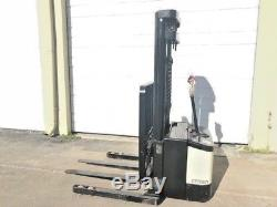 2004 CROWN ELECTRIC WALKIE STACKER With GNB 24 VOLT INDUSTRIAL BATTERY & CHARGER