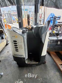 2005 Crown RD5225-30 Double Reach Truck, with Battery & Charger, 7,868 Hours (LOW)