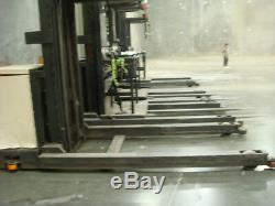 CROWN Electric Fork Lift WITH BATTERY & CHARGER Big saving$$ Well Maintain