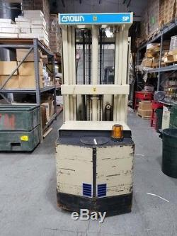 CROWN ORDER PICKER FORKLIFT, 30SP35TT, With Charger and good battery Runs Great