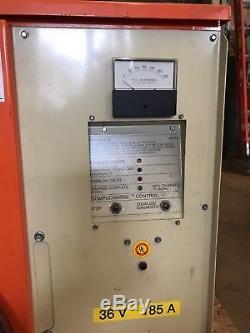 C&D Charter Power Systems FR18HK1000M Forklift Battery Charger 36 V T110199