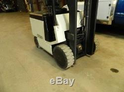 Excelent! Crown FC 40 Electric 36 Volt Forklift with side shift and charger