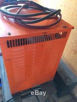 Gnb Forklift Ferrocharger 24volt 100amp
