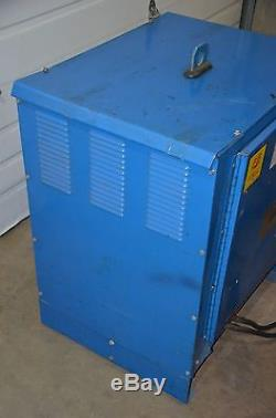 Gould Ferrocharger Forklift Charger 18 Cell LA Battery 36V 3PH GFC-18-725T1