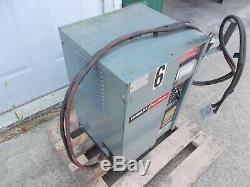 HOBART 24V ACCU CHARGER model 225A1-12 fork lift truck battery 115 VOLT PLUG