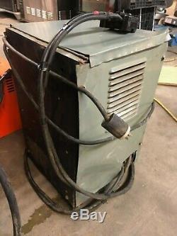 Hobart 380A1-6 Industrial 12 Volt Gray Battery Charger Lift Forklift Scrubber