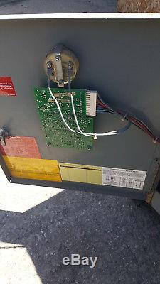 Hobart 725H3-18 Forklift Battery Charger 3 Phase to 36 volt 36V 2