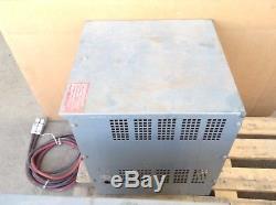 Hobart Battery-Mate 600M1-6 Type LA Forklift Battery Charger 12V 102A 6 Cell