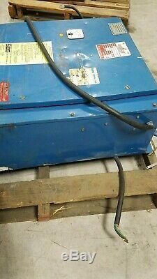 LaMARCHE forklift charger