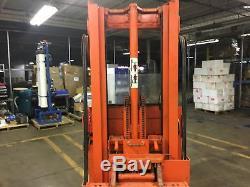 Raymond Forklift MODEL 20-R60TT TRUCK 3000 LB with battery & charger