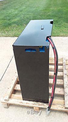 12-125-13 24 Volt Forklift Battery Testé, Entretenu, Propre Et Prêt À Expédier! E125