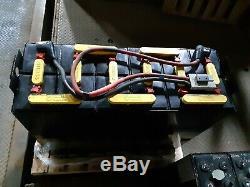 12-125-15 24 Volts Chariot Batterie Reconditionnées Bon 875ah. Prêt Pour L'expédition