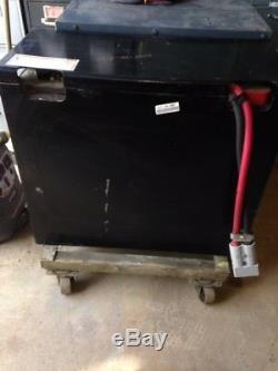 12-85-13 24 Volts Chariot Batterie Remis À Neuf Tres Bon Etat Expédition Possible