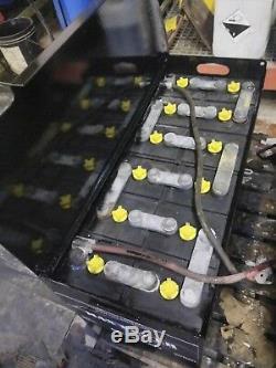 12-85-13 Batterie De Chariot Élévateur. Meilleur Temps D'exécution Que La Plupart