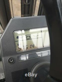 2010 Cat Électrique 3 Roues Et3500 Chariot Élévateur, Batterie Et Chargeur Inclus 3 Étapes