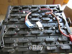 2017 Deka 24-95-21 Chariot Batterie 48v 950 Ah 32-5 / 8 X 38-3 / 16 X 22-5 / 8 Vgc