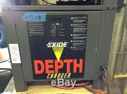24 Volt D'occasion Enersys Profondeur Chargeur 400 À 750 Batterie Ah