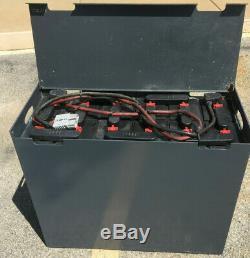 Batterie De Chariot Élévateur Utilisé De 24 Volts 12-100-13 600 Amp Heure