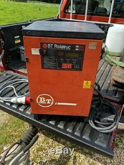 Bt Rollatruc Rd165 Chariot Élévateur À L'unité Chargeur De Batterie Phase 24 Volts 120 Ampères