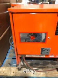 C & D Ferro Chargeur 24 Volts Chargeur De Batterie Gtcii12-600ti La Batterie 12 Cellules