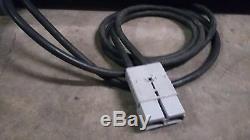 Chargeur De Batterie 100 A 48 Volts 1 Entrée Phase 208/240 Vca Unité Très Propre