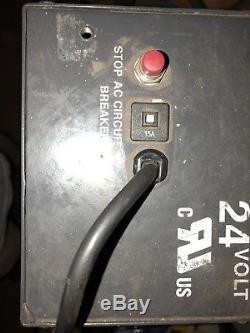 Chargeur De Batterie Chariot Élévateur 24 Volts, 25 Ampères. 110 Volts A / C Svr2425210