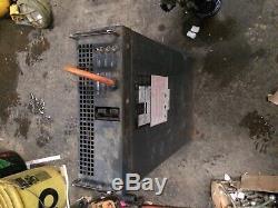 Chargeur De Batterie De Chariot Élévateur Électrique De Couronne Bon Camion De Palette De 24 Volts Utilisé