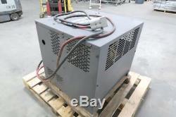 Chargeur De Batterie De Chariot Élévateur Exide Wg3-18-865 36 Volts, 865 Amp. Hr 3 Ph. T131127