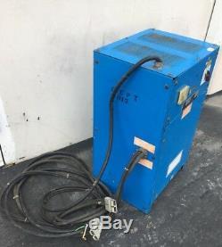 Chargeur De Batterie Exide Forklift Npc-6-i-800 220/440 Vac 1 Phase 6 Cellules