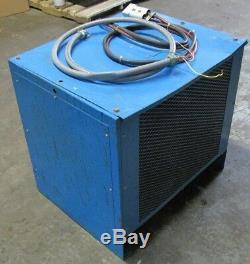 Chargeur De Batterie Exide System 3000 24 VDC 12 Cellules 208/230/460 3 Phases