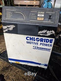 Chargeur De Batterie Monophasé De Chariot Élévateur De Force De Puissance De Chlorure 21 24v 45amp
