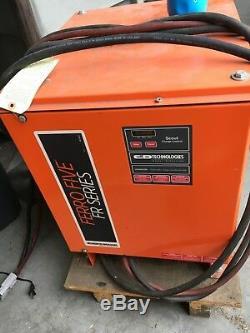 Chargeur De Batterie Pour Chariot Élévateur Industriel Ferro Five Fr Séries / C & D Tech 24v / 95amp