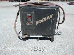 Chargeur De Batterie Pour Chariot Élévateur Kodiak / 36 Volts / Modèle 18k750b3