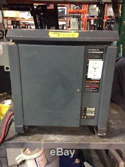 Chargeur De Batterie Pour Chariot Élévateur Utilisé Ca 24 Phases 480v / 865 Ahr DC 480v