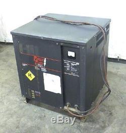 Chargeur De Batterie Powerflow, 12h300c22, 24 Volts, 120 Ampères, 451-600 Ampères Heures