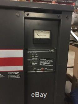 Chargeur De Batterie Trojan 2 24 Volt Chargeur De Chariot Élévateur 2200