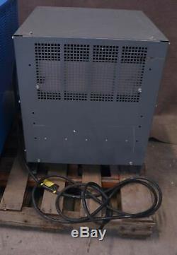Chargeur De Chariot Élévateur Industriel Ametek 510h3-12c 24vdc Battery Mate Prestolite Power