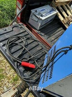 Chlorure Motive Power 21s Chariot Élévateur Chargeur De Batterie De 120 Ampères De
