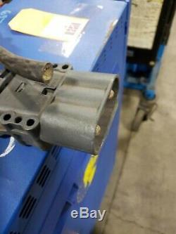 Crown Powerhouse Chargeur 48v Cr24hf3-240 Chariot Élévateur Chargeur De Batterie Jusqu'à 24 Cellules