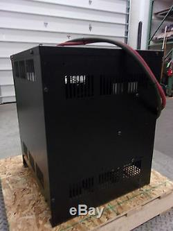 Énergie Appliquée Workhorse 12r1050e3d 24v Chargeur De Batterie Chariot Élévateur (for2080)