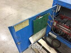 Exide D3e2-18-1050 Chariot Élévateur Industriel Chargeur Ac 208/240/480, Ampère 36/32/16 Hz