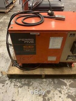 Ferro Cinq C Et D Chargeur De Batterie