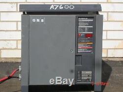 Gnb Chargeur De Batterie 24 Volt Testée Bon / 600ahr (palette Jack / Picker)