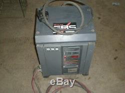 Gnb Modèle N ° Scr-100-12 Chargeur De Batterie Pour Chariot Élévateur 260s1-1