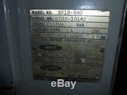 Hobart 3r18-680 Chargeur De Batterie Pour Chariot Élévateur À Fourche De 36 Volts DC Triphasé 240/480 16 H Minuteur